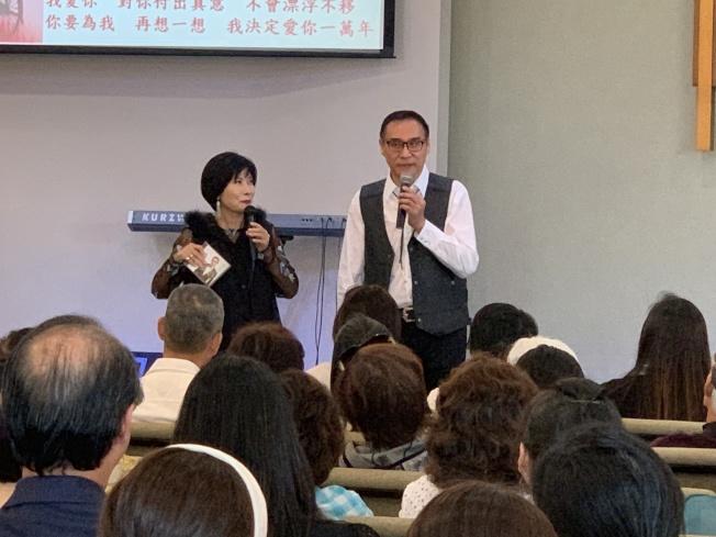圖說:旅居洛杉磯的台灣京劇演員王海波獻唱助陣,「包青天」威風八面。(記者陳良玨/攝影)