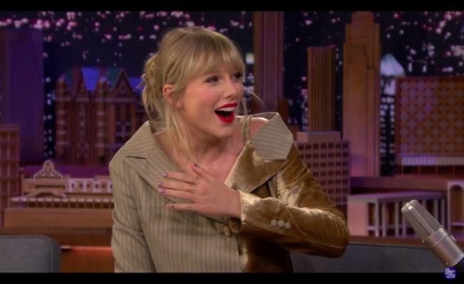 泰勒絲看到自己的崩潰影片也震驚。(翻攝自YouTube)