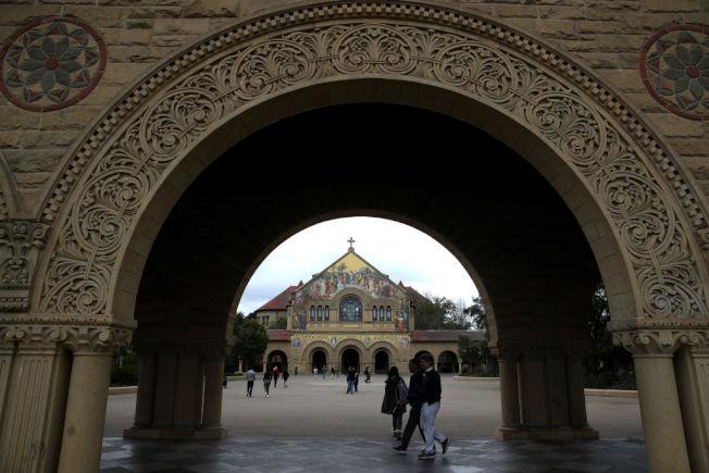 現今美國大學生的在校園感到壓力沉重,超過先前世代。(Getty Images)