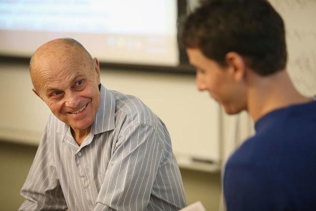 善用教授辦公室時間,可以得到更多一對一指導。(Getty Images)