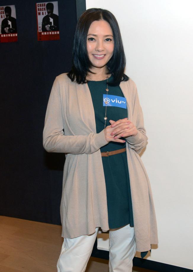 李麗珍事隔5年再拍港劇,接演喜劇《娛樂風雲》。(中通社)