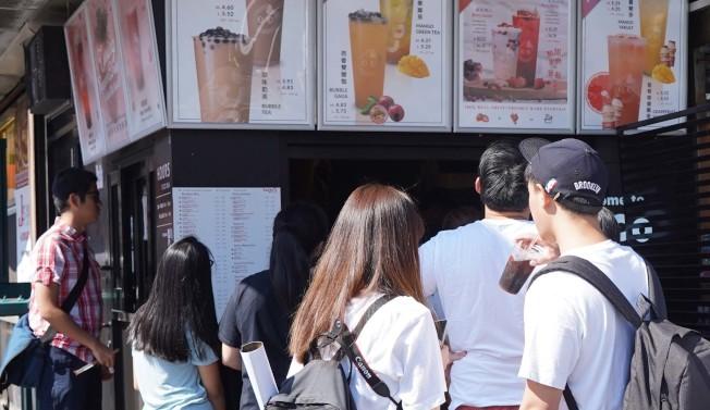 茶飲消費者絕大多數是年輕人。(許振輝/攝影)
