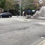 曼哈頓下東城 2人孔蓋接連失火冒濃煙