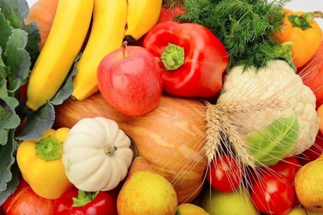 蔬菜和水果是合理膳食的重要組成部分。每日定量攝入有益身體健康。(本報資料照片)