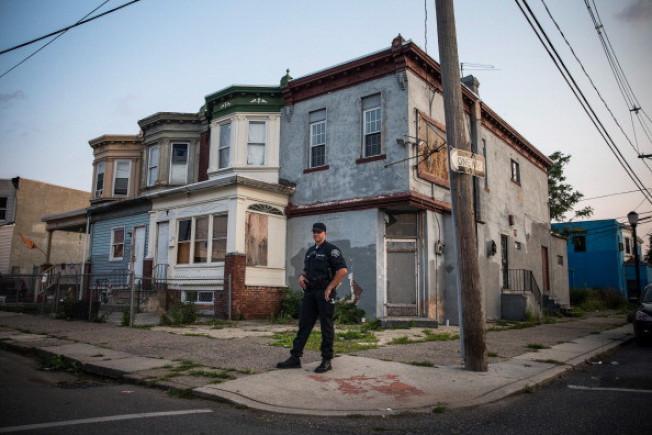 新州�m然是全美最富裕的州之一,但最痛苦城市�盗砍��^其他州;�D�轱�受治安困�_的肯登市。(Getty Images)