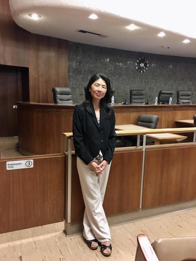 阿罕布拉市華裔市議員黃幼平(Katherine Lee)身體抱恙,9月缺席兩次市議會未請假,險遭罷免。(記者陳開/攝影)