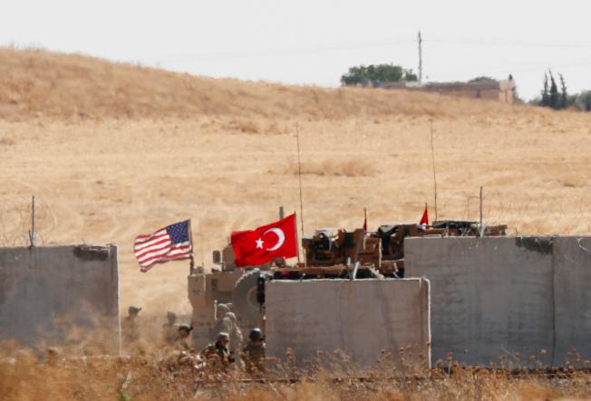 美軍與土耳其軍隊9月8日在敘利亞北部進行北約組織籌劃下的聯合軍事演習。(路透)