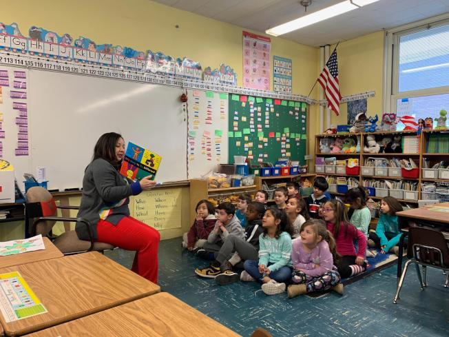 解決佛州公校教師短缺問題,州長有意調漲起薪。(本報檔案照)