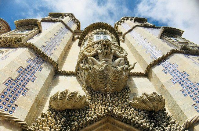 辛特拉-佩納宮城門上的海妖。