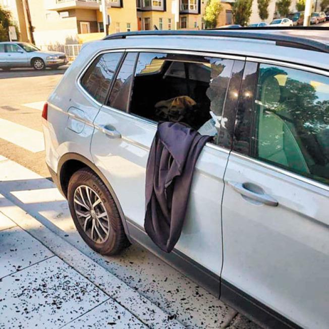 布店東主莎布麗娜的汽車遭人破窗盜竊,放在後座上的昂貴手工布料不翼而飛。(Anzula Luxury Fibers提供)