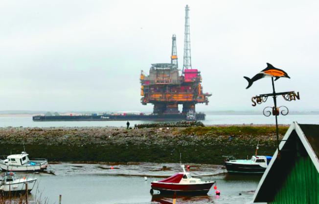 英國欲在北海棄置一些退役的鑽油平台,遭到外界抨擊。圖為英國位在布倫特油田的Delta鑽油平台。(路透)