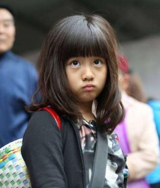 多多在8歲時曾參加《爸爸去哪兒2》,收穫一票粉絲。(取材自微博)