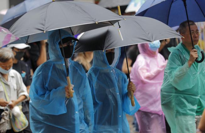 香港反送中抗爭愈演愈烈,讓愈來愈多香港民眾打算逃離香港,但他們首選的移民地點卻不是傳統認為的美國。 美聯社