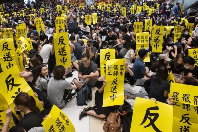 反送中運動持續,警民發生多起衝突。歐新社
