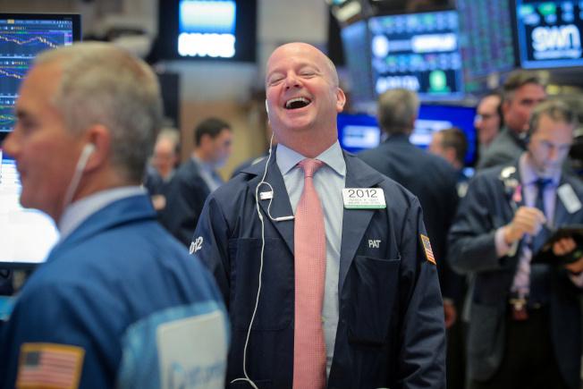 美股道瓊指數9日早盤漲200點。路透