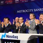 美豐銀行邁入重要歷史時刻紐約NASDAQ敲鐘慶祝股票上市交易