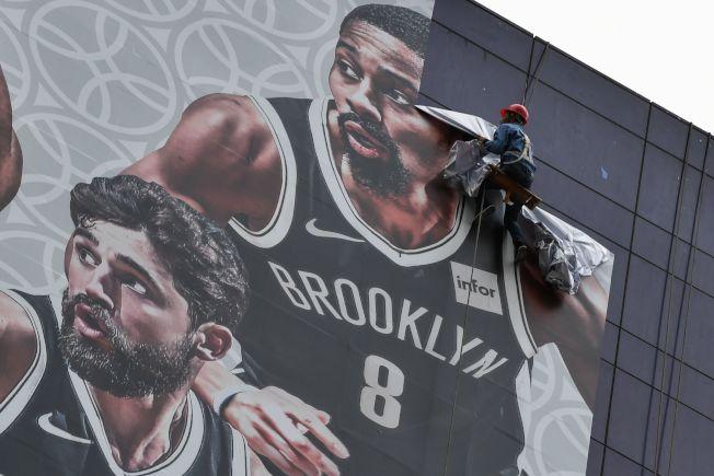 上海賽預計今天開幕,NBA橫幅廣告卻在9日被撤下。Getty Images