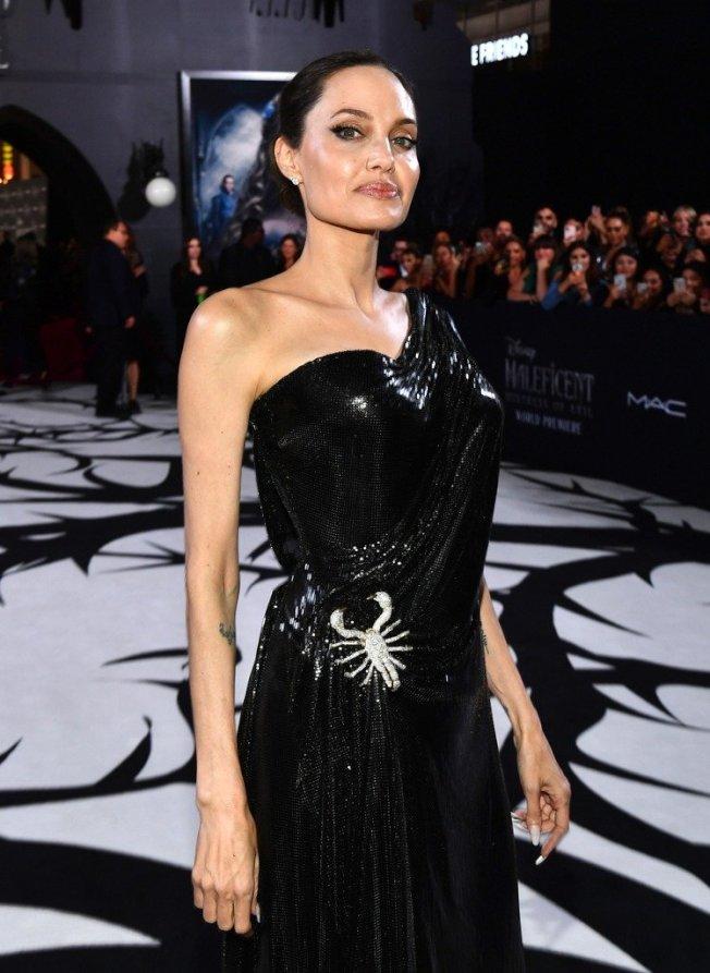 裘莉出席黑魔女全球首映。圖/達志影像