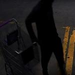 涉嫌盜竊健身房 警方通緝一男