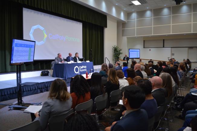 加州第29選區參議員張玲齡8日走訪Cal Poly Pomona,關注學生食品安全、心理健康及及住宿問題。(記者啟鉻/攝影)