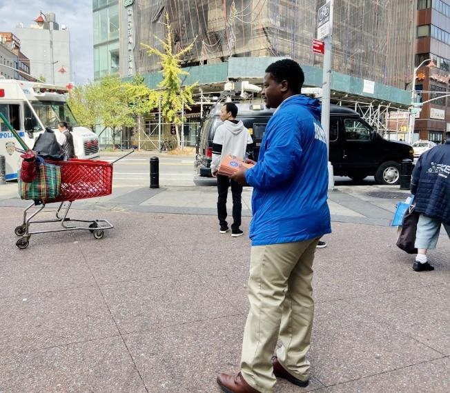 爆頭案後市衛生局員工華埠宣傳被曝怠工,至遊民於不顧。(本報檔案照)