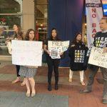 球場外發「光復香港」T恤 華府人士抗議NBA向錢低頭