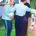 東森總裁王令麟獄中批公文 副典獄長收783美元重判16年