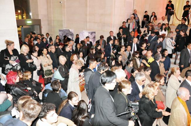 玉花壽之王教授藝術作品在羅浮宮展出,開幕式現場嘉賓雲集。(圖\顧興義)