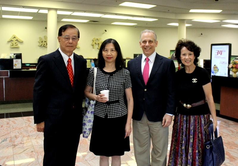 楊明耕(左起)、陳奕芳、Jay Karahan及趙婉兒合影。
