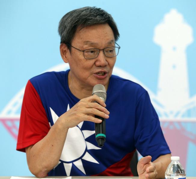 國民黨總統參選人韓國瑜國政顧問蘇起表示,他擔心明年蔡選上,台灣會火山爆發。(記者劉學聖/攝影)