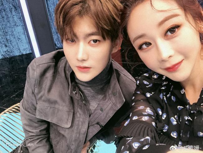 咸素媛與小18歲高富帥鮮肉老公陳華。(取材自微博)