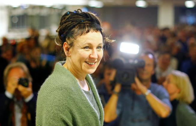 波蘭女作家奧爾嘉‧朵卡萩獲得2018年諾貝爾文學獎,使她頓成媒體焦點。(路透)