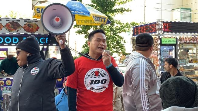 獨立司機工會華人司機召集人陳海靈表示,TLC應收回這種「上有政策、下有對策」的規定。(記者和釗宇/攝影)
