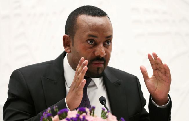 衣索比亞總理艾比伊11日獲得諾貝爾和平獎殊榮,表彰他促成與厄利垂亞解決邊界爭議,達成和平協議的努力。(路透)