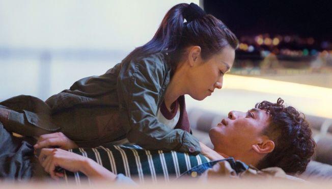 《在遠方》由演技派劉燁和馬伊琍主演。(取材自微博)