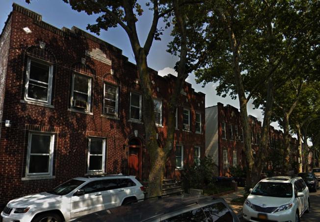 位於16大道交65街的華裔住家日前遭入室盜竊。(取自谷歌地圖)