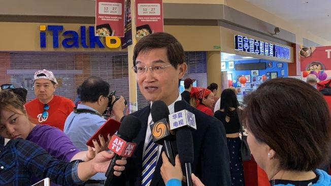 駐洛杉磯台北經濟文化辦事處處長朱文祥接受採訪 。(記者王子銘/攝影)