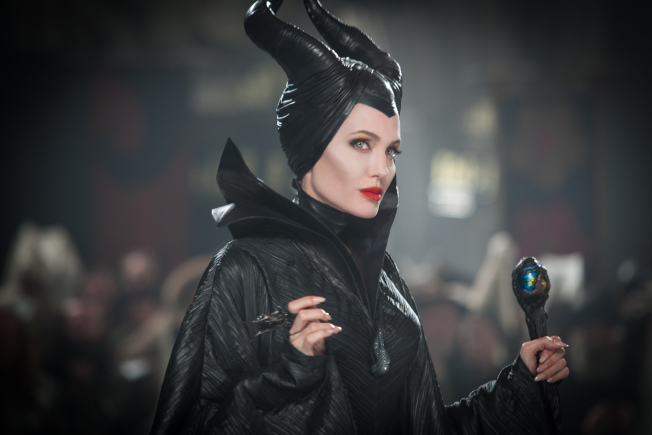 安琪琳娜裘莉2014年在上海宣傳迪士尼電影「黑魔女」時,曾因失言激怒了中國民眾。(圖:博偉提供)
