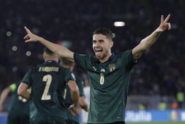 義大利拿到明年歐洲杯的門票,若日尼奧開心不已。(美聯社)