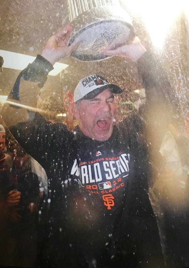 波奇於2014年第三度率巨人隊獲得世界大賽冠軍後舉杯狂歡。(圖片由舊金山巨人隊提供)