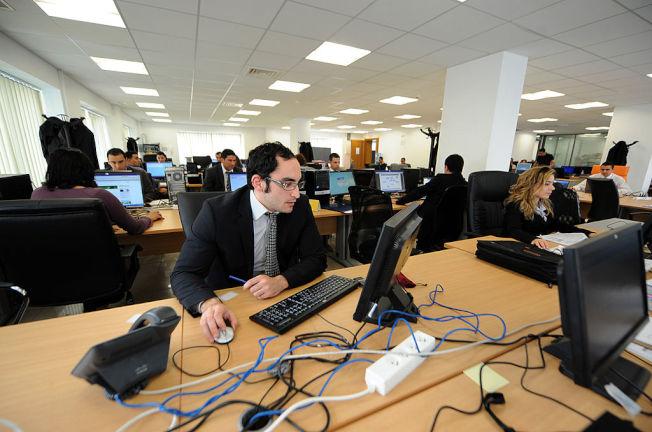 社區銀行需要跟矽谷爭搶優秀科技人才。(Getty Images)