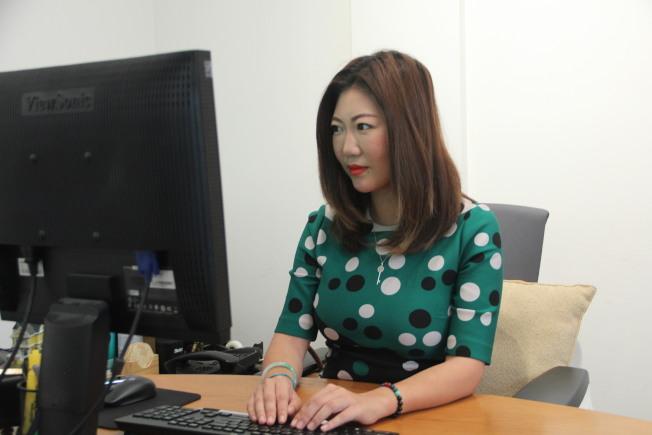 在富華銀行轉型成為「仿」華資銀行之後,韓以厚也成為了首位晉升管理層的亞裔女性。(李晗 / 攝影)