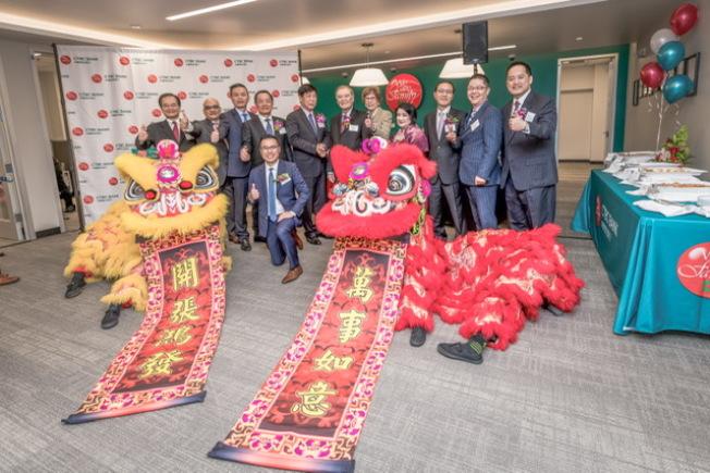 中國信託銀行不僅為客戶打破語言隔閡,也了解華裔的生活習性、文化背景,為新移民提供更適合的服務。(圖:中國信託提供)