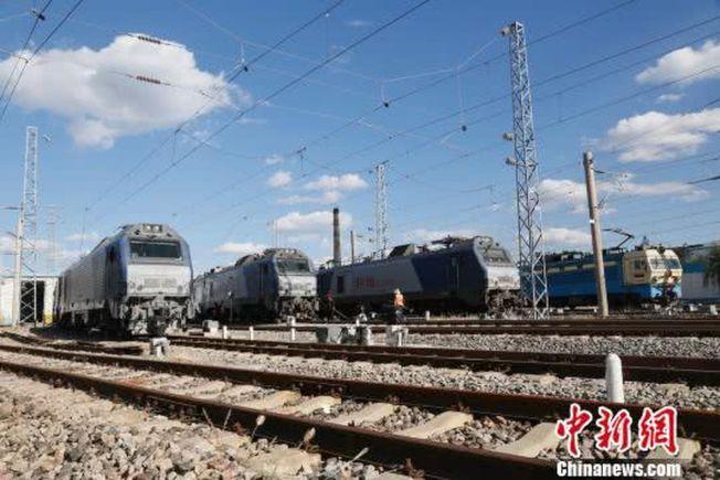 「中國重載第一路」大秦鐵路線。(取材自中新網)