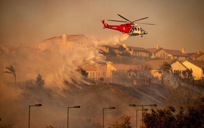 洛杉磯馬鞍嶺大火,至13日止控制42%。(KTLA)