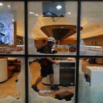 反送中「罷買」親港府商鋪遭殃 多家「藍店」被砸
