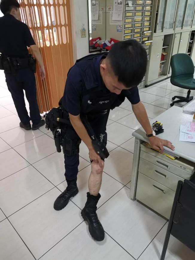 警員陳柏翰因追捕通緝犯被開車載走,最後撞車受傷。(圖:警方提供)