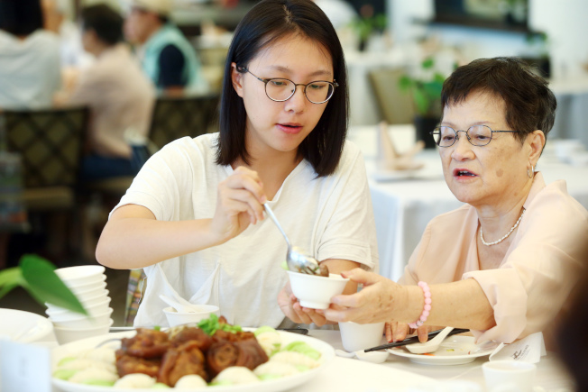 3種餐桌禮儀 小心吃出病