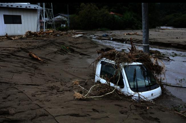 颱風哈吉貝12日到13日侵襲日本部分地區,根據日媒自行統計,至少造成43人死亡、16人失蹤及202人受傷。 (Getty Images)