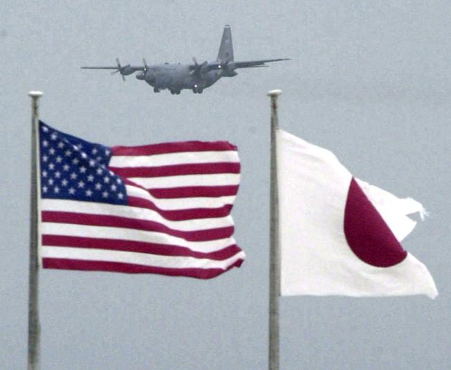 日本過去5年幫駐日美軍人員埋單近百萬美元的賠償金。美聯社